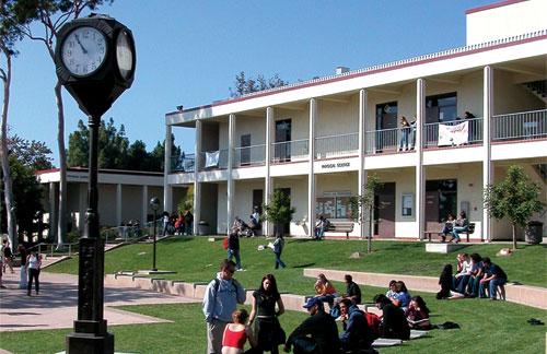 Cursos de Inglés en Kaplan Santa Bárbara City College Santa Bárbara | WelcomeAbroad | Estudiar Idiomas en el Extranjero
